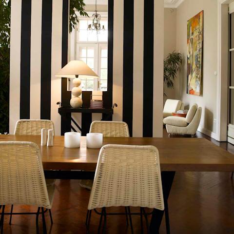 Vlf 4 bedroom luxury apartment in budapest hip homes for 4 bedroom luxury apartments