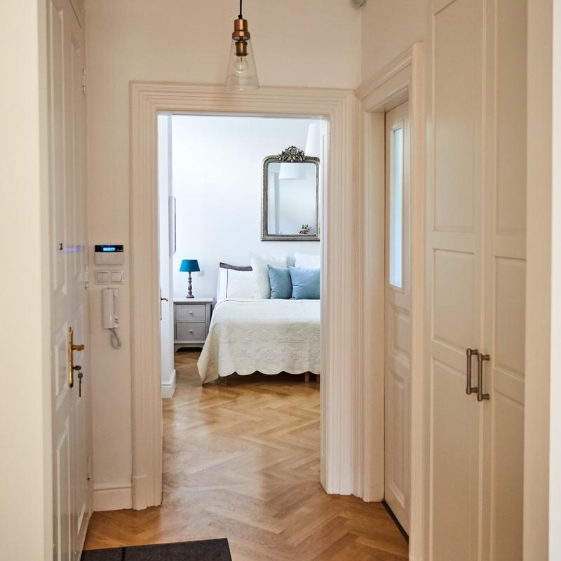 Luxury Apartment Bedroom: 2-Bedroom Luxury Apartment In Budapest